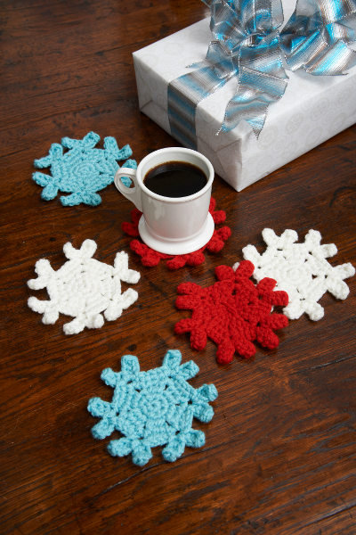 1spirited-snowflake-coasters