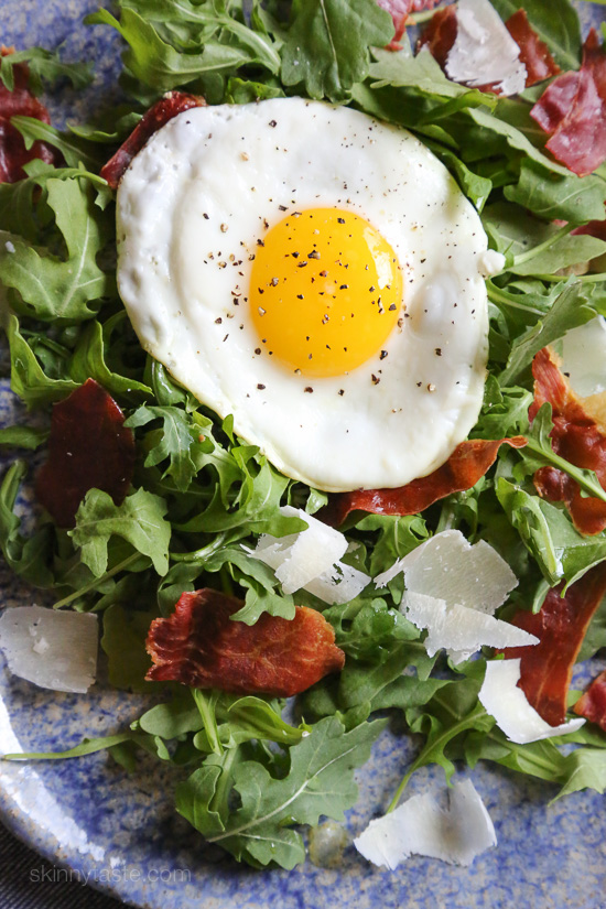 arugula-prosciutto-salad-with-egg