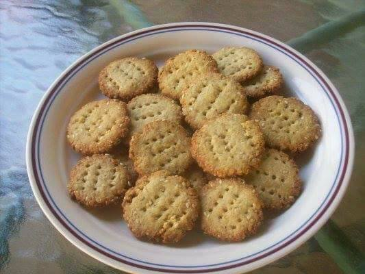 herb-parmesan-crackers